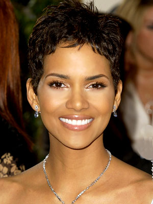 http://cinemagia.files.wordpress.com/2009/12/halle-berry.jpg
